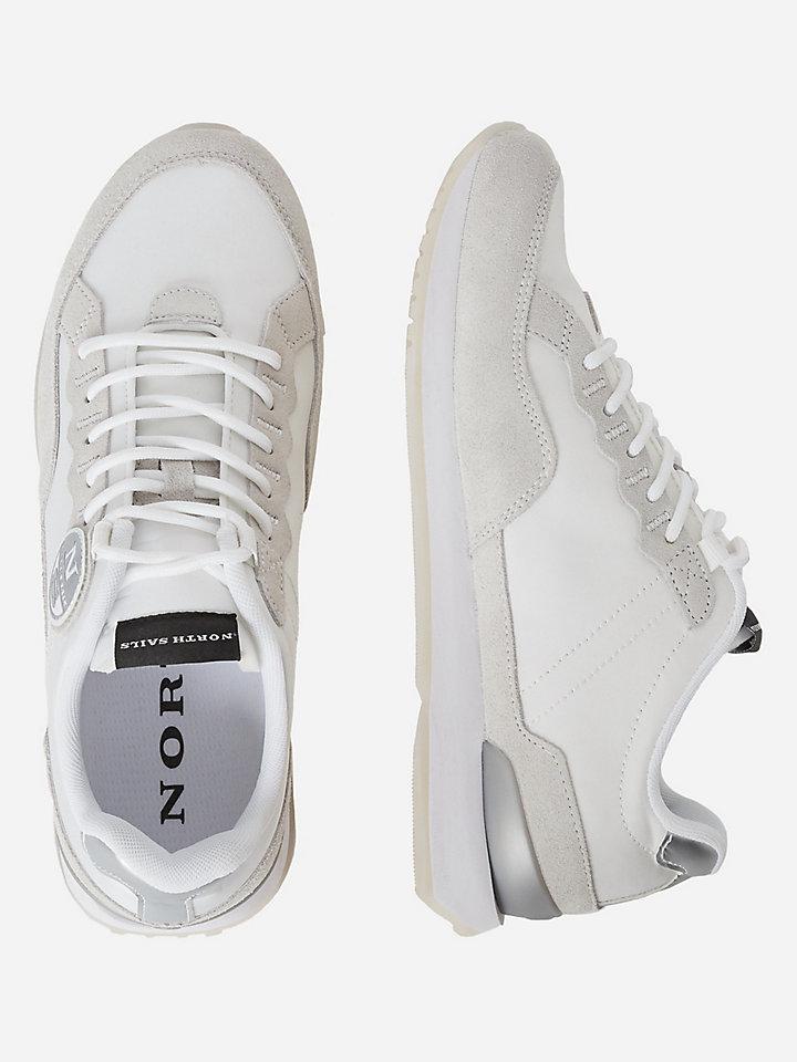 Sneaker in materiali riciclati