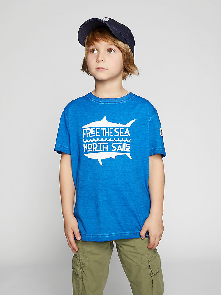T-Shirt Free The Sea
